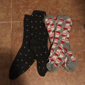 Accessories - Two pairs of holiday socks in brand new condition